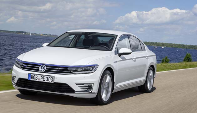 next green car large family car award winner volkswagen passat