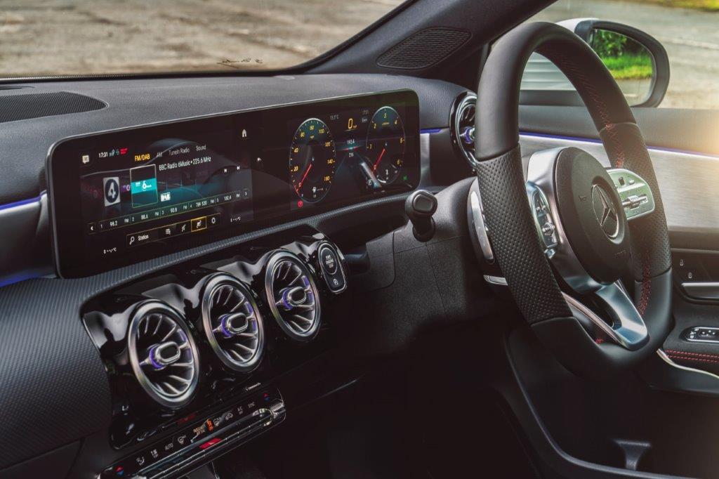 original_ME022543_3.jpg - A180 D 5 Door Hatch 1.5 Sport Executive Auto