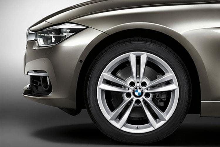 3-series-touring-bmt3-17a.jpg - 318i Touring 1.5 Sport