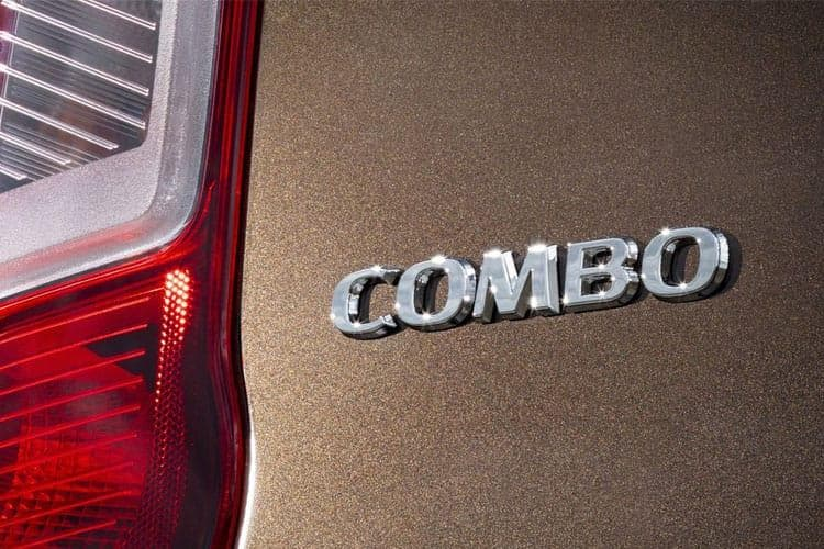 combo-cargo-vacb-21a.jpg - L1h1 2000 1.5 Turbo D 100 Sportive