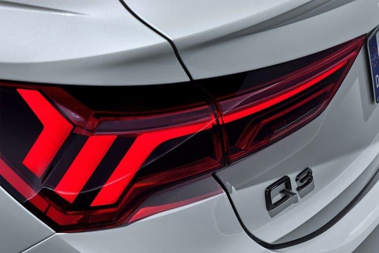 q3-sportback-auqs-21.jpg - Sportback 40 Tfsi Quattro Cod Sport Comfort+sound Pack S Tronic