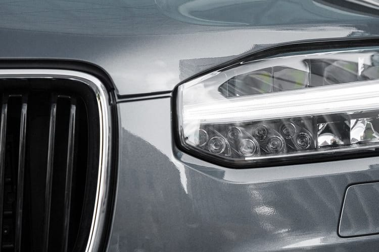 xc90-vozm-18a.jpg - 2018 2.0 T8 390hp Hybrid Momentum Pro Auto Awd