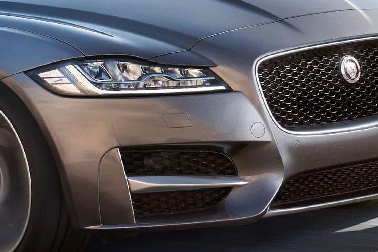 xf-sportbrake-jafs-21.jpg - 2.0 P250 R-dynamic Se Auto