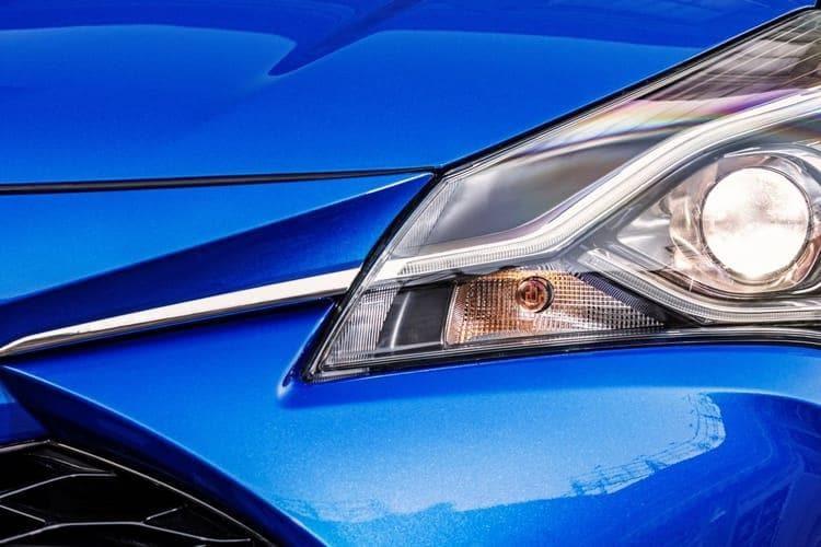 yaris-bi-tone-toib-18a.jpg - Yaris 5 Door 1.5 Hybrid Blue Bi-tone Cvt