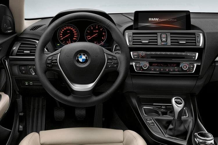 1-series-sporthatch-bm1h-17a.jpg - 116d 5 Door Sporthatch 1.5 Se