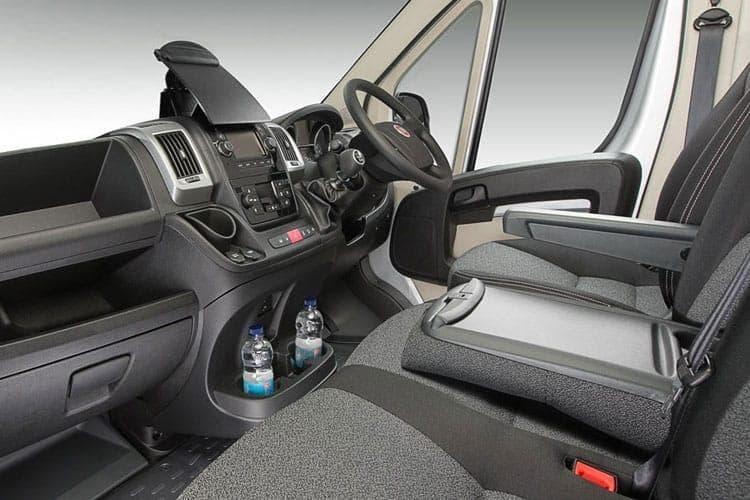 ducato-maxi-crew-van-fidw-16.jpg - Ducato Maxi Window Van Lh2 35 Lwb 2.3 Multijet 130 Comfortmatic