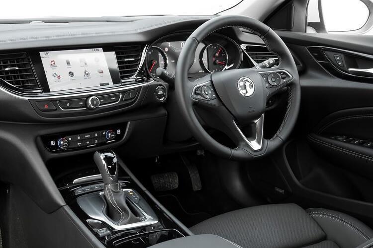 insignia-grand-sport-vase-18a.jpg - Sport 1.6 Turbo D 136 Design Auto