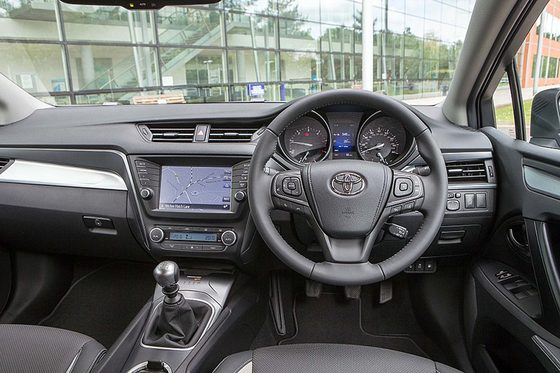 toyota avensis business edition interior