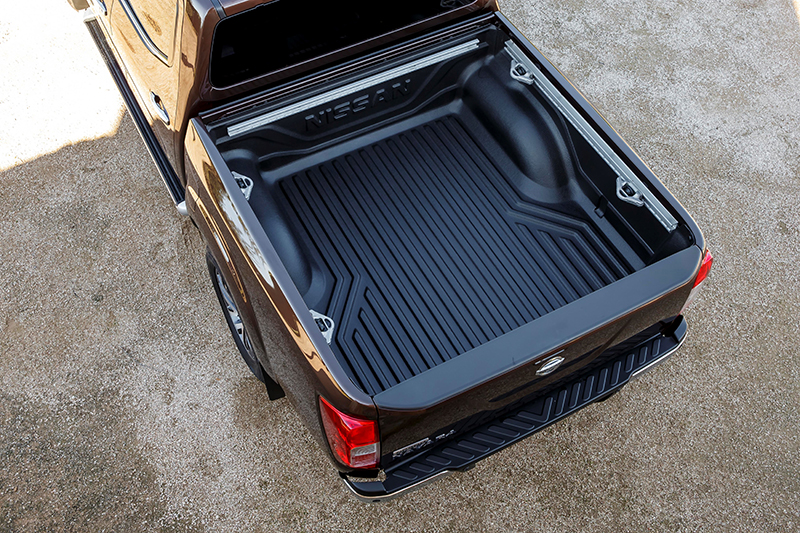 new nissan np300 navara loadbay