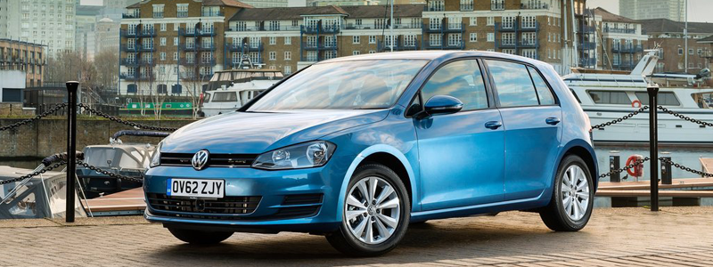 vw golf in pacific blue